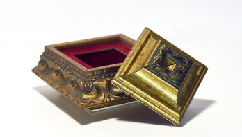 De kracht van metaforen tijdens rouwprocessen: verhalen in een doosje